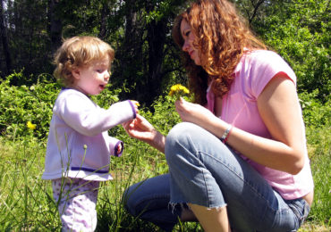 Idea for the Weekend: Celebrate Mom Outdoors