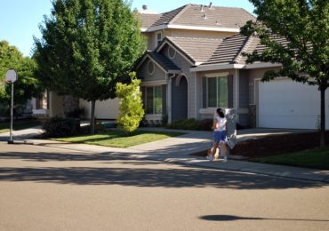Idea for the Weekend: Go on a Neighborhood Scavenger Hunt