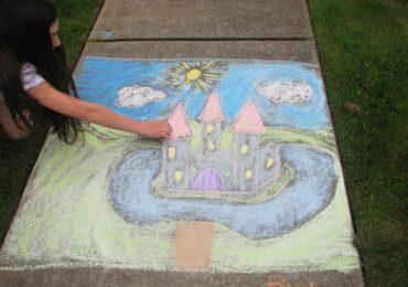 Idea for the Weekend: Draw with Sidewalk Chalk